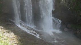 berg för klein för africa udddrakenstein nära paarl sköt den västra södra vattenfallet stock video