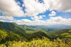 Berg för siktspunkt av Phu Soi Dao Nationnal Park Fotografering för Bildbyråer