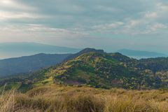 Berg in Filippijnen wordt gevestigd die royalty-vrije stock fotografie