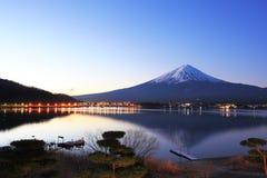 Berg Fuji en bezinningen Stock Foto's