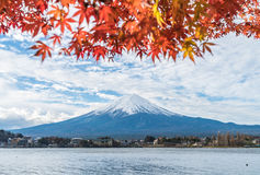 Berg Fuji San bij Kawaguchiko-Meer in Japan Royalty-vrije Stock Fotografie