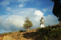 Berg geschnitzt, um Fahrbahn für Monte Maria herzustellen, Stockfotografie
