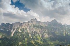Berg Gimpfel och Rote Flüh i Tirol Österrike royaltyfria foton