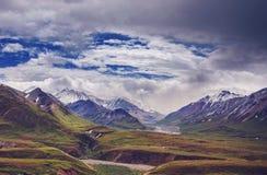 Berg i Alaska royaltyfri bild