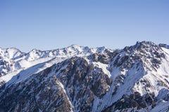 Berg i Almaty Arkivfoton