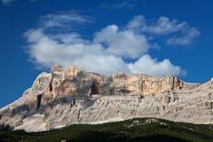 Berg i alpsna Arkivfoton