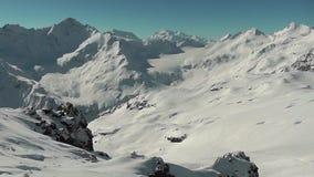 Berg i det Elbrus området arkivfilmer