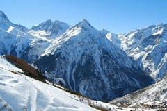 Berg i fjällängarna, Frankrike Arkivfoton