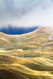 Berg i höst Den nationella naturen parkerar Royaltyfri Fotografi