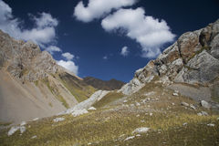 Berg i Kirgizistan Arkivbild