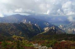 Berg i nationalpark för Mt Seolag Arkivfoto