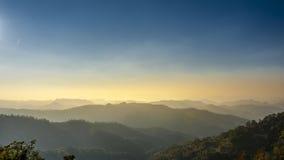 Berg i norden av Thailand Arkivfoton