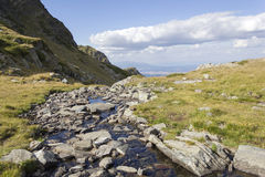 berg i området av de 7 Rila sjöarna i Bulgarien Arkivfoto