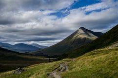 Berg i skotsk Skotska högländerna Fotografering för Bildbyråer
