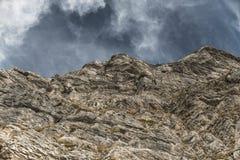 Berg i skyen Arkivfoton