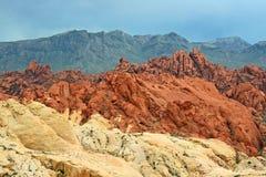 Berg i tre färger, Nevada arkivfoton