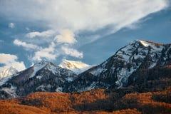 Berg im Schnee Lizenzfreie Stockbilder