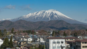 Berg Iwate im Frühjahr Stockfotografie