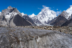 Berg K2 bak den Vigne glaciären, K2 trek, Pakistan Royaltyfri Foto