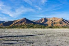 Berg längs vägen som monterar Pinatubo krater sjön Royaltyfri Fotografi