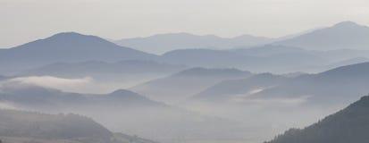 Berg in laag Royalty-vrije Stock Foto