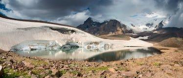 Berg lake Royaltyfria Bilder