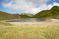 Berg lake Lago Scaffaiolo Arkivfoto