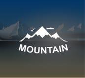 Berg landskap retro vektorbakgrund Royaltyfri Fotografi