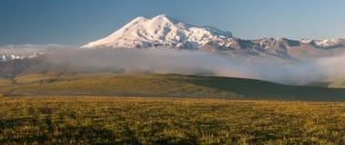 Berg lopp, natur, härligt ställe, snö, is royaltyfria bilder