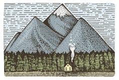 Berg med det inristade huset och skogen, hand dragen vektorillustration i träsnittscratchboardstil, tappningteckning Arkivfoton