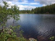 Berg-meer stock fotografie
