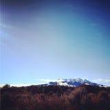 Berg met Sneeuw Stock Afbeeldingen