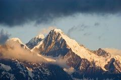 Berg met Snow_1 Stock Afbeelding