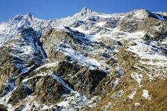 Berg mit Gebührengletscher (Gebühr Gletscher) in Saas-Gebühr Stockbild