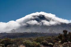 Berg nahe dem Teide-Vulkan Die Berge sind in die Wolken gefallen lizenzfreies stockfoto