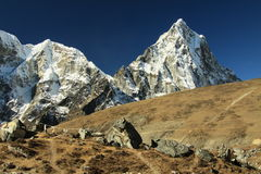 berg nepal Royaltyfria Foton