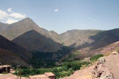 Berg och deras skuggor 3 Arkivfoto