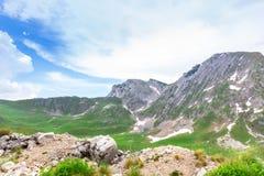 Berg och gräsplanlandskap av Montenegro Royaltyfri Bild