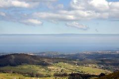 Berg och hav Royaltyfria Bilder