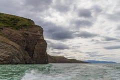 Berg och sjö på puertonatales Royaltyfri Foto