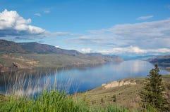 Berg- och sjölandskap Royaltyfria Foton