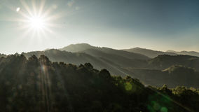 Berg och sol Fotografering för Bildbyråer
