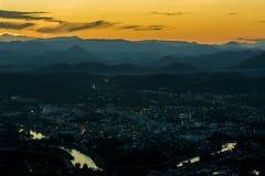 berg och solnedgång Royaltyfri Fotografi