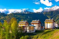 Berg Olympisch Dorp, Rosa Peak Ski Resort, Sotchi, Rusland stock foto's