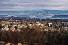 Berg ovanför Bern Arkivfoto