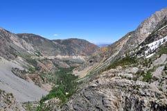 Berg på den Tioga vägen, Yosemite nationalpark Arkivbild