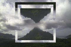Berg på den tropiska ön Geometrisk collage, reflexion e royaltyfri foto