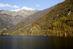 Berg på den Verzasca dalen Arkivbild