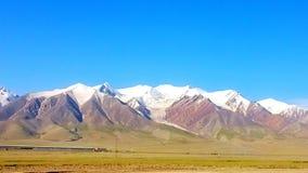 berg på denTibet platån arkivbild