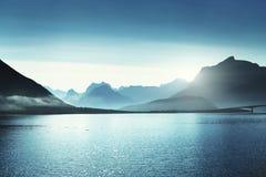 Berg på Lofoten öar, Norge Royaltyfri Bild